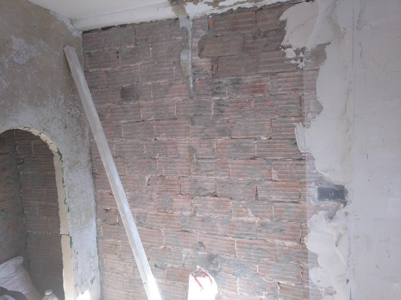 Sustitución muro de piedra por ladrillo