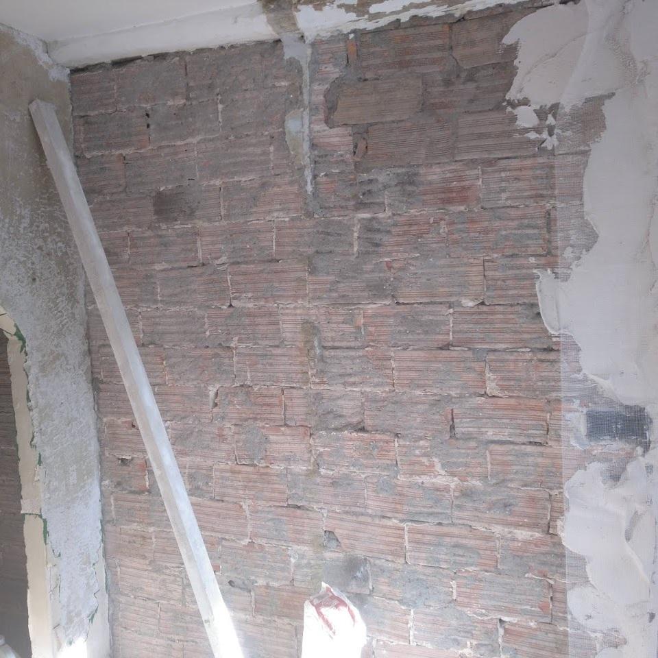 Sustitución de muro de piedra por ladrillo